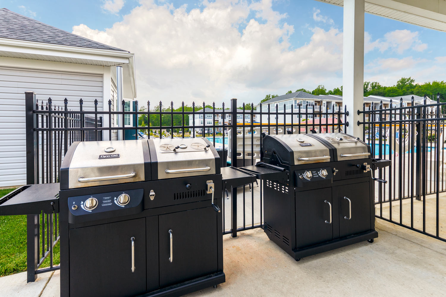 barbeque and grilling stations - luxury apartments in newark de
