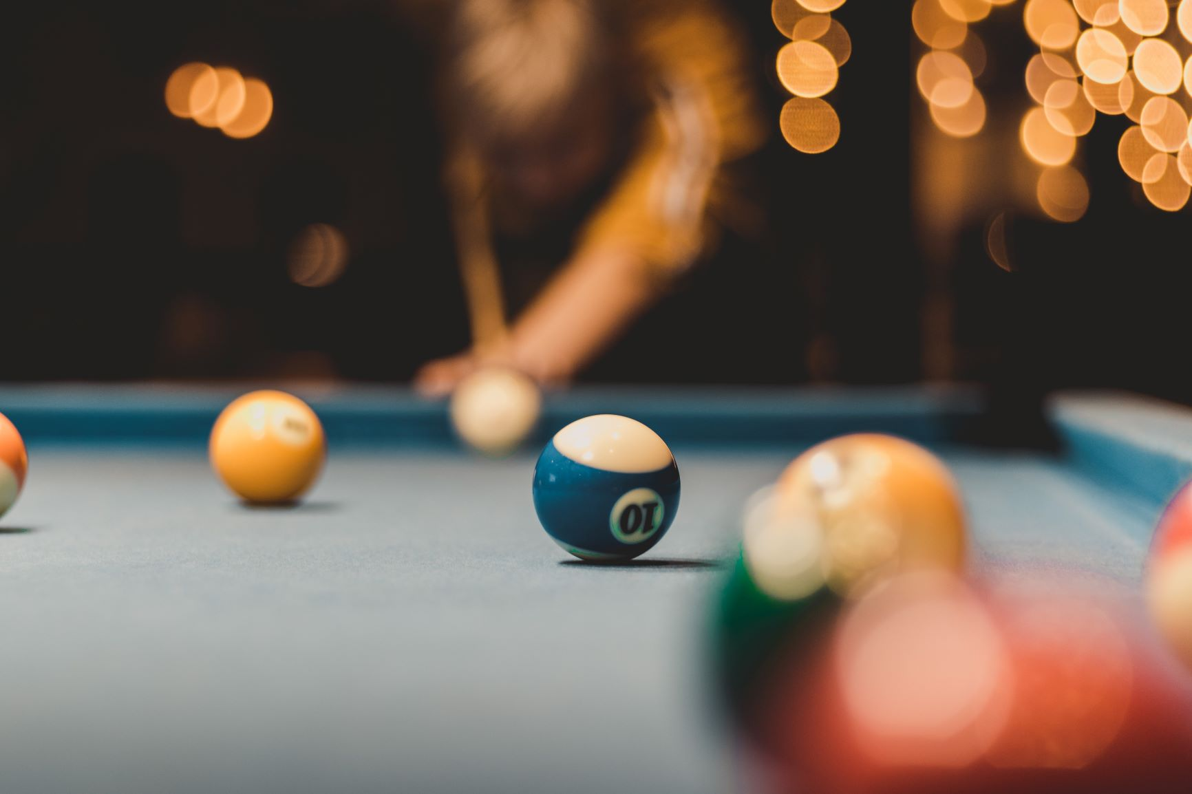 person playing billiards - christiana de apartments